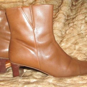 Diba sz 8-1/2 ankle boots, made in Brazil